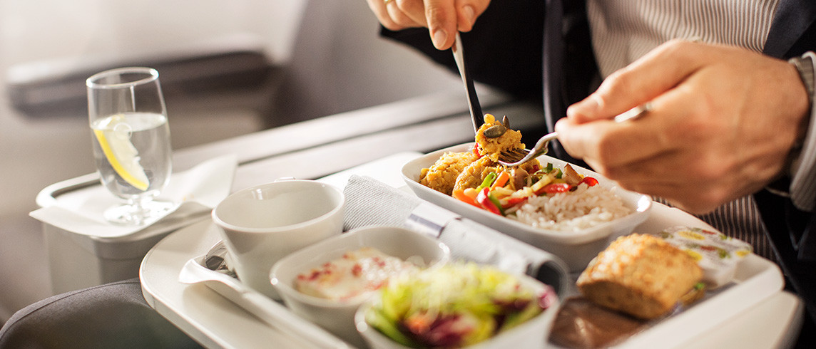 USA To INDIA Flights Offering Complimentary In-Flight Snacks & Beverages!