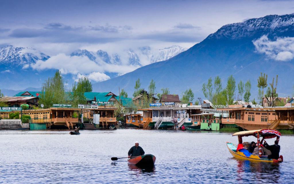 Enjoy a Visual Treat in Kashmir